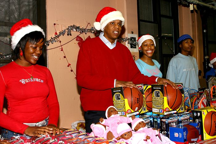 jay-z-holiday-charity (2)